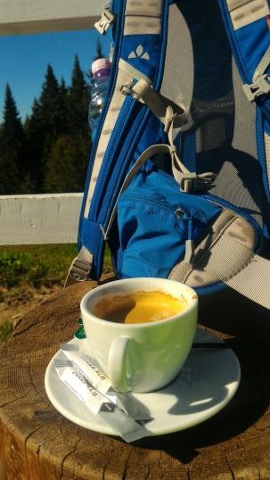 asa se bea cafeaua, dupa 10 km de urcare :D